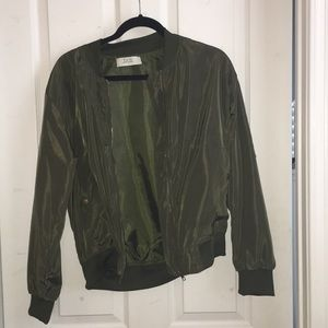 ARMY GREEN ZIP UP JACKET